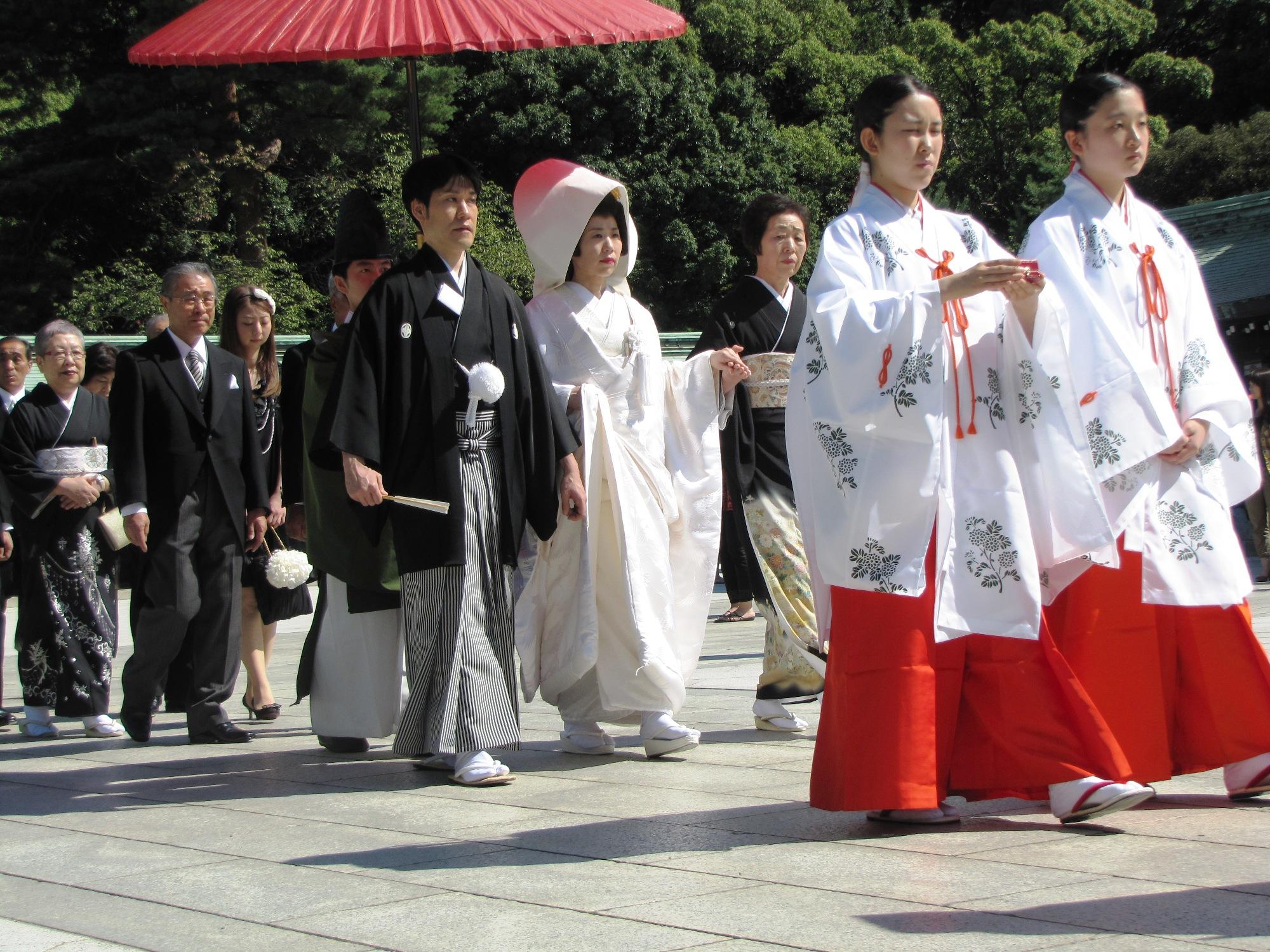 japanese-wedding-traditions