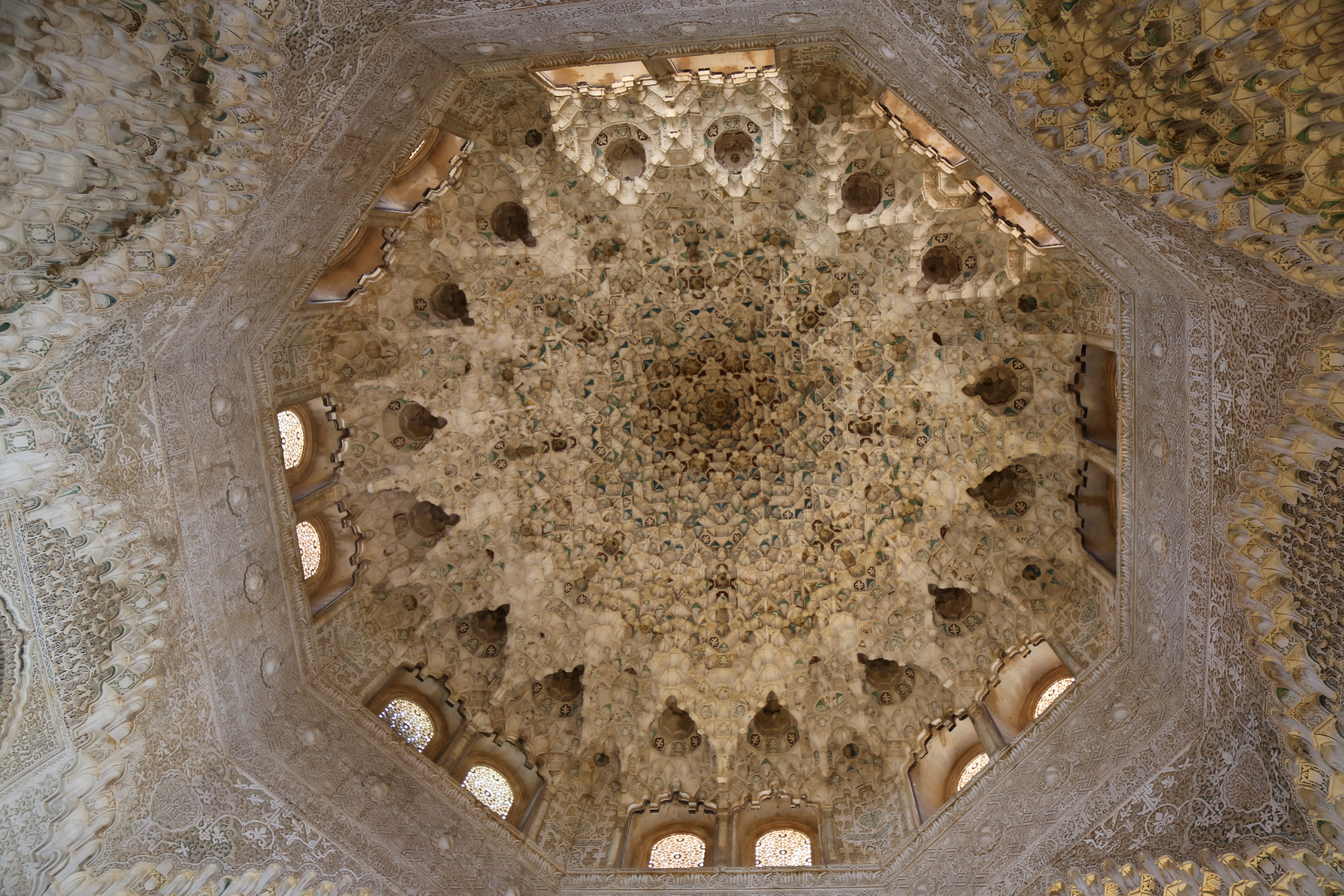 Alhambra-Hall of Sisters dome